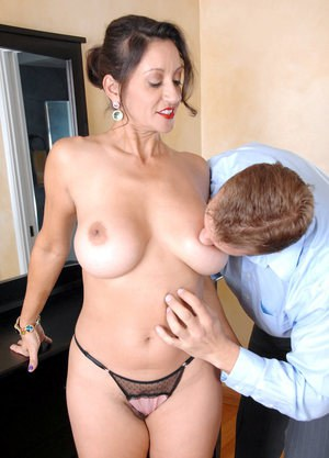 Mature woman Persia Monir dripping cum from pussy after hardcore fucking
