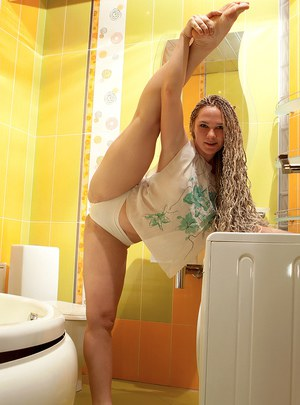 Long legged flexible Sasha showing off her naked ass  nice tits in the tub
