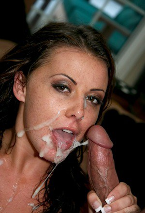 Hot MILF Penny Flame flaunts her bug butt with tongue dripping sperm