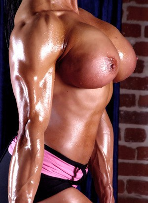 Wet bodybuilder Marina Lopez flaunting huge tits while working in gym