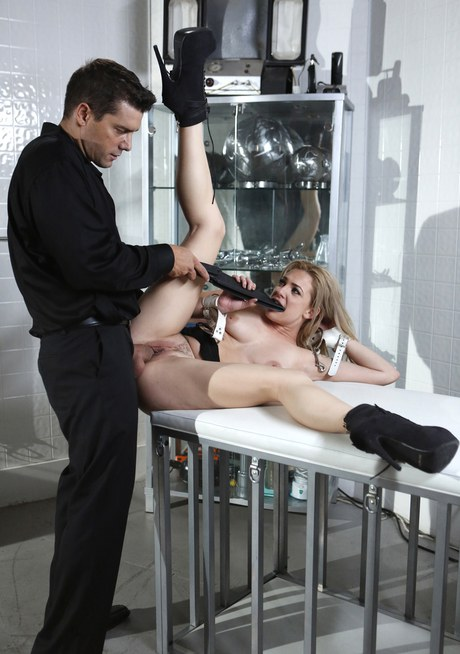 Intercourse blond Dahlia Sky gets toed and potency fed ejaculate in rude Bdsm session