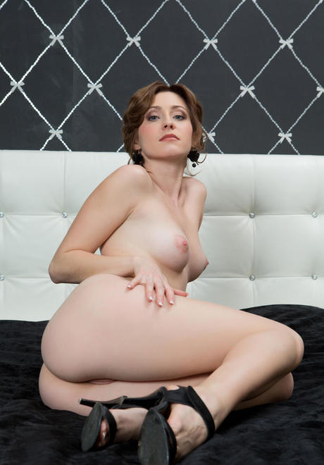 Superior European broad Janelle b heartens showing off her cramped body