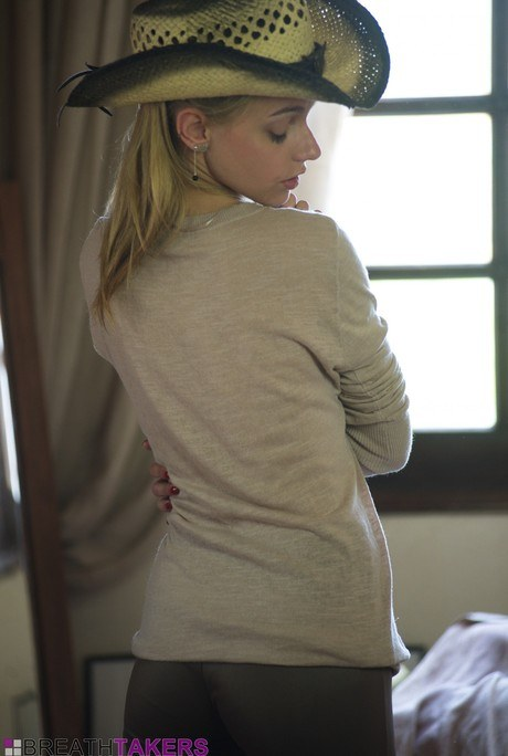 Delicate equestrienne in yoga slacks Chloe Dildo hoists her blouse to uncover her diminutive jugs