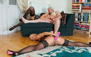 Old man realizes his sexual fantasies by having 3some with 2 hot blondes