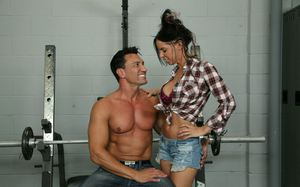 Big boobed brunette Brandi Aniston gets drenched in cum after giving a handjob