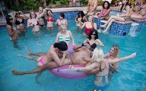 Spring break sluts suck hard cock and get naked at poolside party