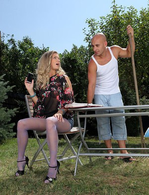 Leggy pantyhose adorned blonde takes hardcore outdoor fucking from big cock