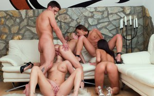 Ball licking best friends get down & dirty in sizzling groupsex bang fest