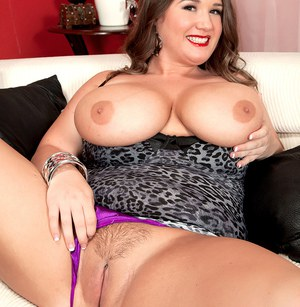 Fat solo girl Nikki Smith pulls her huge breasts out of her tight dress