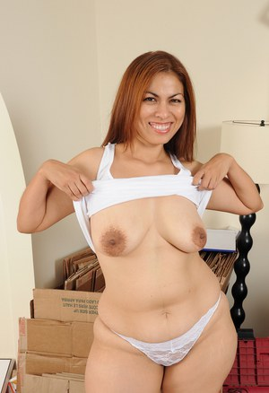 Sexy chubby Alina flashes big floppy tits and spreads her pudgy pussy nude