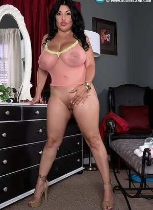 MILF Latina Daylene Rio looses her huge melons and shows her big ass in thong