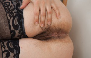American solo girl with hairy underarms unveils her all natural pussy