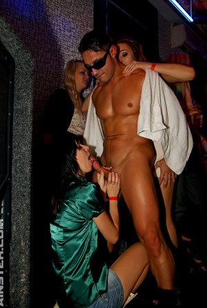 Super horny girls having some XXX fun with handsome strippers