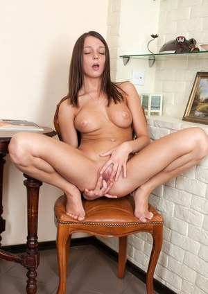 Cutie with perfect natural juggs Foxy Di touches her amateur vagina