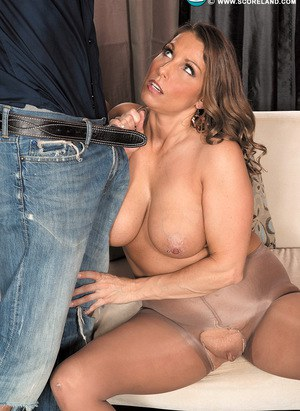 Curvy female Stacie Starr seduces the handyman in crotchless pantyhose