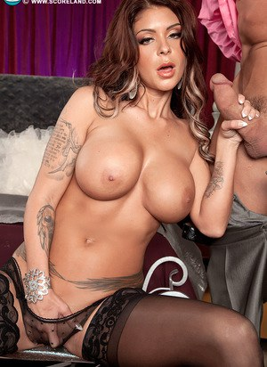 Tattooed chick Brook Ultra looses her big boobs from her bra before fucking