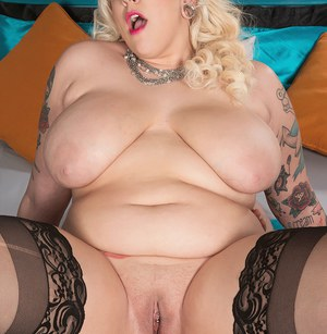 Sassy blonde fatty Jes Craven reveals her huge BBW tits  bends for doggystyle