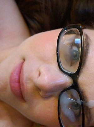 Nerdy chick Jennifer Bliss gets cum on hr glasses compliments of Ryan Madison