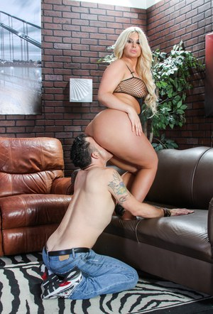 Chubby mature Julie Cash getting pussy lick  toe suck in femdom domination