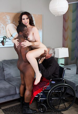 Hot MILF facesitting & sucking bbc in ass licking interracial groupsex