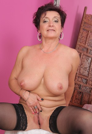 Horny older housewife Jessica Wild frees her bi saggy tits  spreads beaver