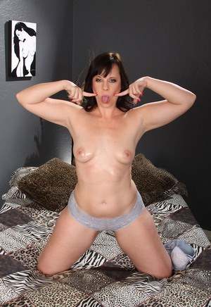 Horny mature brunette Virgo Peridot spreading ass & toying pussy with dildo