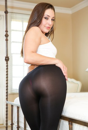 Bootylicious bombshell Gracie Glam has her big ass covered in hot cum