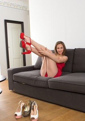 Pretty amateur model Selene peels her finery after a night on the town