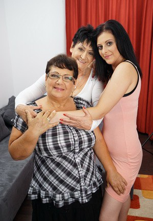 Old granny and fatty BBW friend enjoy lesbian threesome with kinky MILF