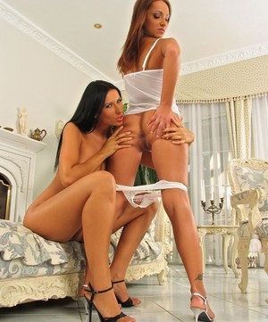 Pierced Latina Lora on her knees ass licking & eating pussy in high heels