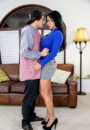 American MILF pornstar Jewels Jade having nipples licked by Tyler Nixon