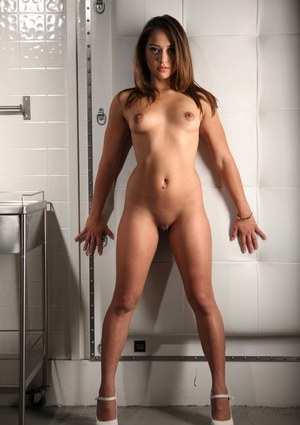 Aiden Starr & Sara Luvv - She's in Charge