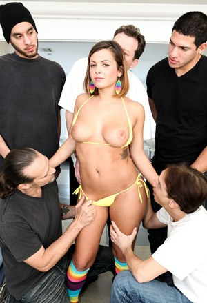 Cumshot queen Keisha Grey gets drenched in jizz in hot gangbang