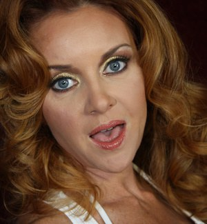 Beautiful redhead Janet Mason opens wide for BBC in interracial gloryhole bang