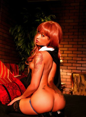 Super sexy redhead cosplay beauty Skin Diamond flaunts bare ass in costume