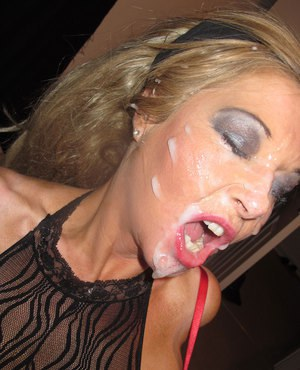 Filthy blondes Tori  Blondie Blow gets cum all over their faces in a blowbang