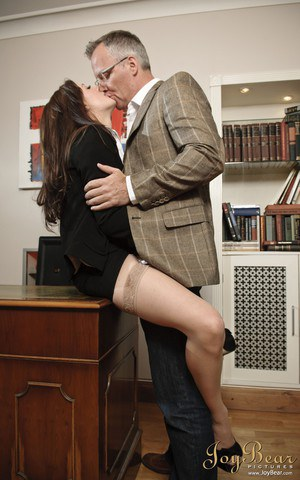 Office slut Samantha Bentley greets boss on Monday morning with sex on mind