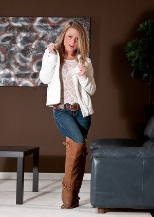 Recommend posing in blonde jeans sexy share