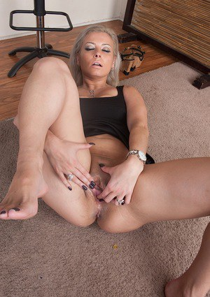 Alana luv is a hot new york milf 6