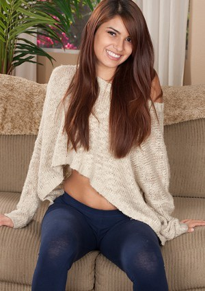 Barely legal teen Gisele Mona makes her nude modelling debut