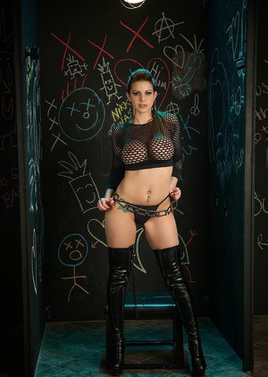 Sexy siren Brooklyn Chase spreads in boots to display a hot shaved taco