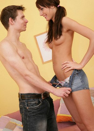 Skinny teen Barbara gets her snatch licked and gives her BF a BJ in return
