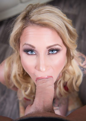 Tattooed blonde Daisy Monroe drips jizz from mouth after a POV blowjob
