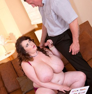 Fat white chick Anna Beck finishes off her man friend with a titty fuck
