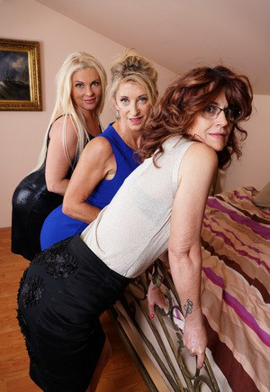 Mature housewives opt for a lesbian threesome to relieve sexual tensions