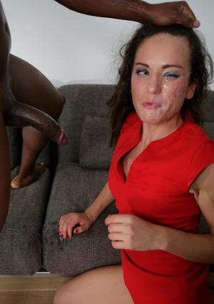 Slut in tight red dress hikes it up for big black cock at the art gallery