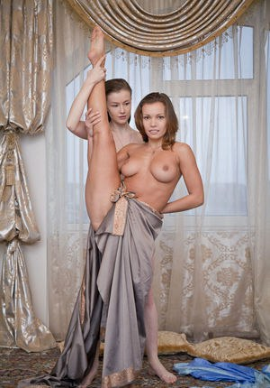Flexible girls Aruna A and Emily Bloom show off their nubile bodies together