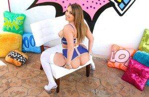 Sexy teen Harley Jade flaunts her big butt in revealing lingerie and stockings