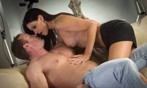 Thin cougar with dark hair India Summer gets seduced in black bra and panties