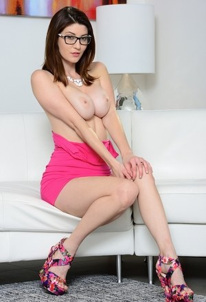 Solo girl Amber Hahn shows off sexy legs while peeling off tight pink dress